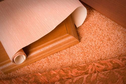 Gummi, Kunstrasen, Linoleum und Teppich: Wo passt welche Auslegware?