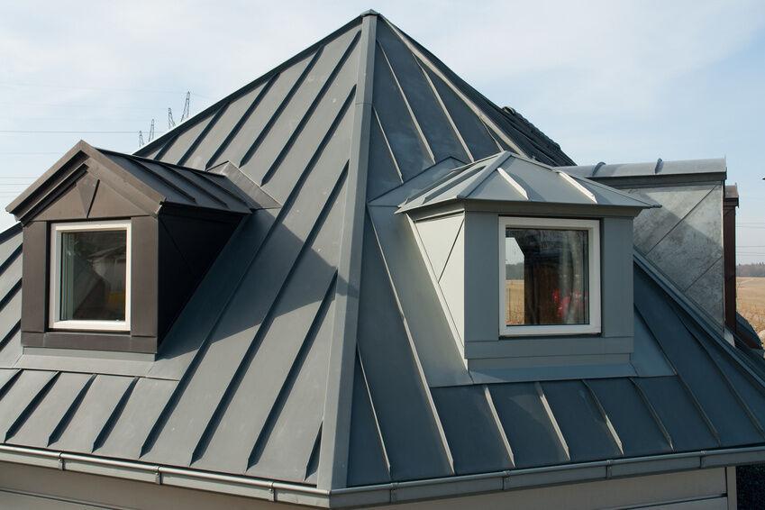 kunststoff metall und ziegel dachpfannen materialien und. Black Bedroom Furniture Sets. Home Design Ideas
