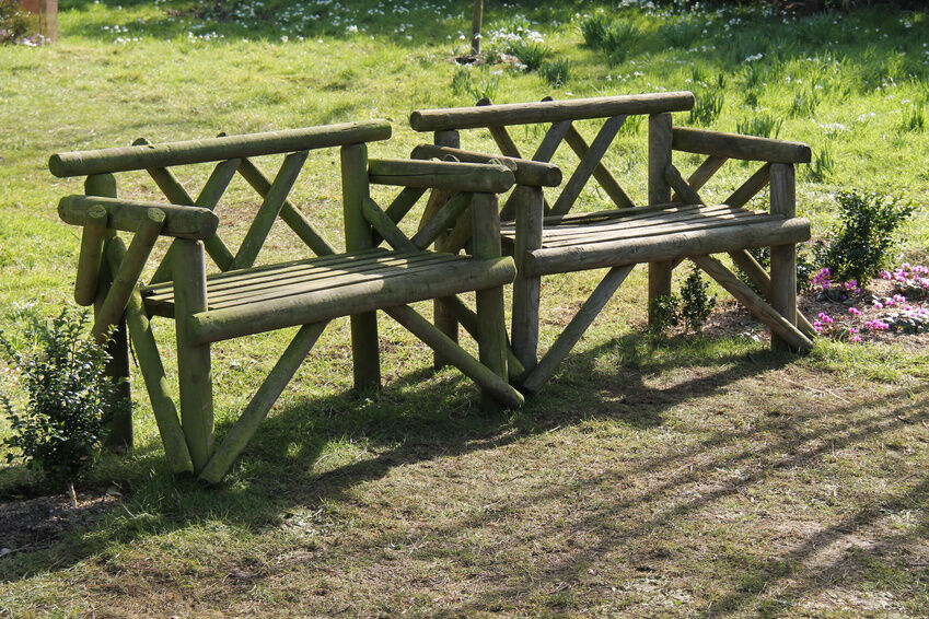 How To Make A Rustic Garden Bench