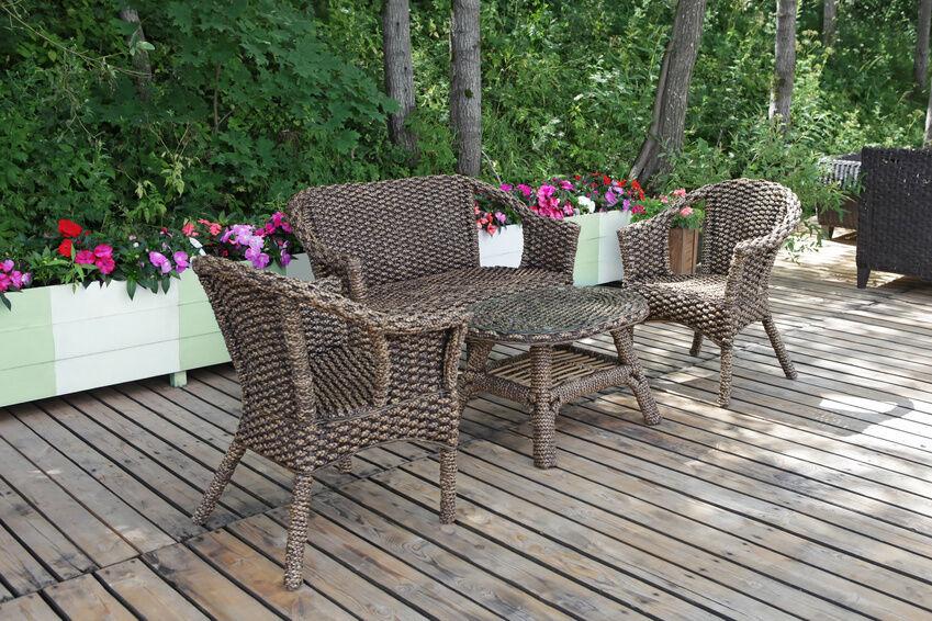 6 DIY Wicker Patio Furniture Ideas