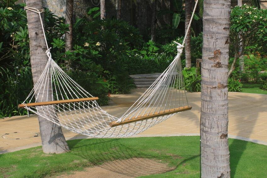 how to hang a hammock