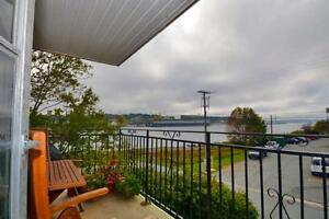 ONE BED WITH BALCONY MINUTES FROM THE BRIDGE WITH HARBOUR VIEW
