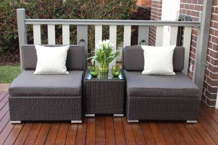 WICKER  OUTDOOR  PATIO SETTING,EUROPEAN STYLED,3 PIECE,BRAND NEW