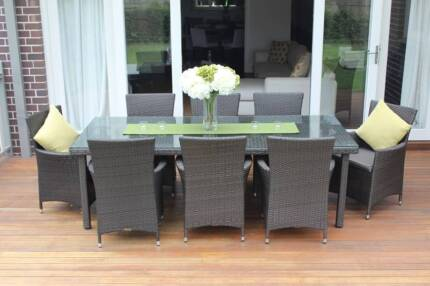 WICKER DINING SETTING,8 SEATER, OBLONG, STUNNING EUROPEAN STYLING