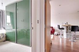 Duble room available 6 Decmber furnished 20 byron mews.