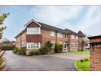 2 bedroom luxury flat to rent in crawley three bridges
