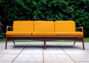 Vintage Adrian Pearsall Model 2315-C Couch