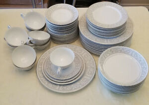 Mikasa Winthrop 10 piece place setting