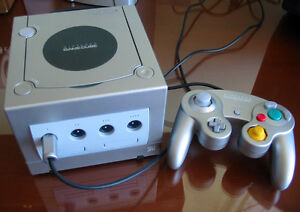 Nintendo Gamecube Silver / Platinum with Controller - Tested