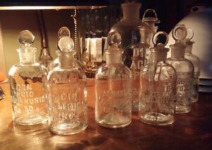 9 magnifiques bouteilles vintage apothicaire/chimie/laboratoire