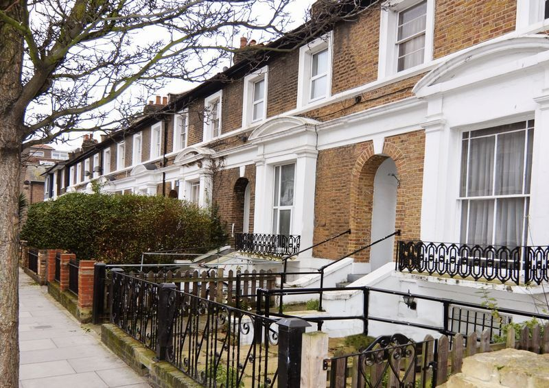 5 bedroom flat in Richmond Way, Shepherds Bush, W12