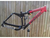 "16"" Kona Stinky Primo frame inc tear Fox Vanilla R shock. Fantastic condition."