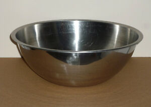 "13.5"" Stainless Steel Bowl: Excellent Condition: Large Capacity Cambridge Kitchener Area image 1"
