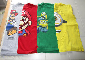 4x Boys licensed t-shirts in size Medium (10/12