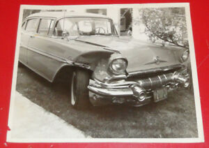 VINTAGE PHOTO WRECKED 1957 PONTIAC LAURENTIAN SEDAN IN QUEBEC