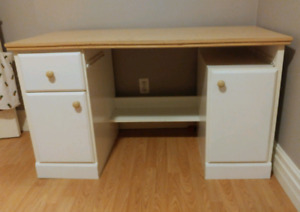 FREE DESK! Need gone today!
