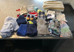Boy clothes/blankets. 0-3 months. Sleepers/summer outfits