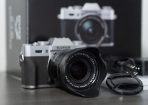 Fuji XT- 10 with 18-55 f2 .8 - f4    Lens and  2 batteries