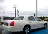 2006 Lincoln Town Car Signature Ltd . Sedan
