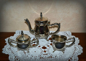 Small Tea pot, Sugar bowl & Creamer