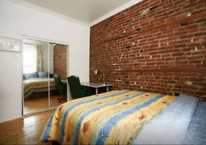 Big furnished room in the heart of downtown CONCORDIA MCGILL