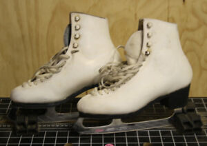 Ladies Skates Size 7.5 B