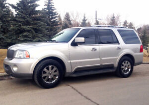 2003 Lincoln Navigator Ultimate SUV, Fully Loaded, Black Leather