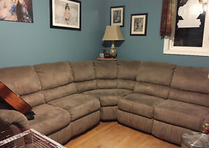 Very large sectional with recliners