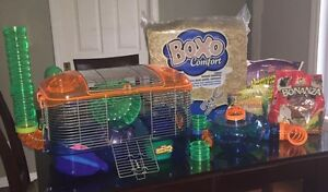 Hamster cage, mulch and food Cornwall Ontario image 1