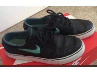 Nike Janoski black leather skate shoes UK 5.5
