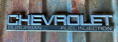 1992-1999 CHEVROLET SUBURBAN FUEL INJECTION REAR TAIL GATE EMBLEM LOGO BADGE OEM