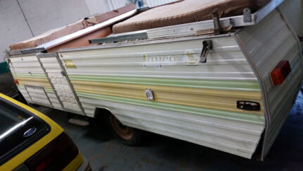 JAYCO SWAN - good for parts - needs lots of work Burleigh Heads Gold Coast South Preview