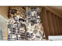 4 cushions with removable cushions