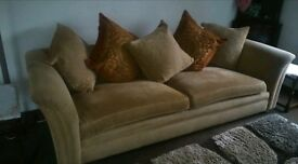 Beautiful Tetrad Grande Large Sofa in excellent condition with matching scatter cushions included