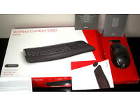 Microsoft Wireless Comfort Desktop 5000 Wireless Keyboard & Mouse Set