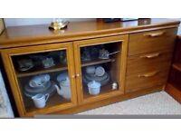 Veneer wood joint display cabinet and drawers