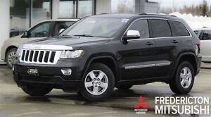 2011 Jeep Grand Cherokee LAREDO! V6! 4X4! LOADED!