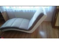 Lovely chaise-lounge