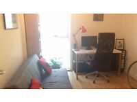 Short term home office / desk for hire during the day