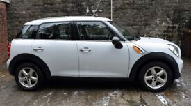 Fabulous looking Mini Countryman in white, 65,000 miles from new. MOT until March 2019.