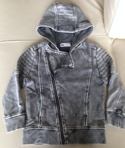 Brand names boy's clothes in perfect condition, 5T, $10 for all