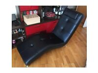 Designer Chaise Longue in black leather