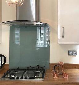 Brand new kitchen splash back 700 petwer