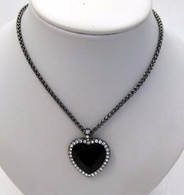 NEW Ladies Jewellery Black Facet And Clear Crystals Heart On Grey Chain Necklace