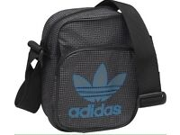 Addidas pouch/mini bag