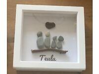 "Family ""teulu"" pebble art"