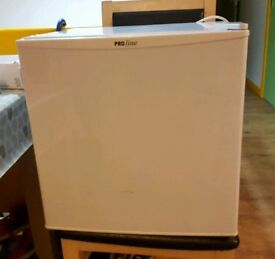 Proline countet top fridge immaculate condition