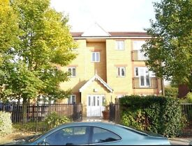 Spacious 2 bed flat in Waltham Cross, York Road