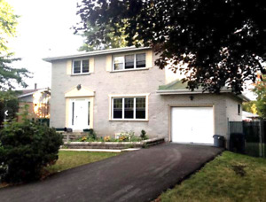 Single house in Brossard sector B for sale.Price $419000