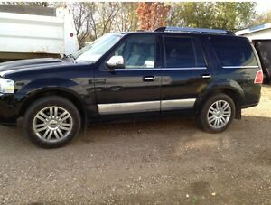 2007 Lincoln Navigator SUV. Located in wainwright